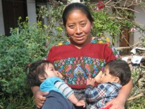 guatemalan woman and children 1-9-13